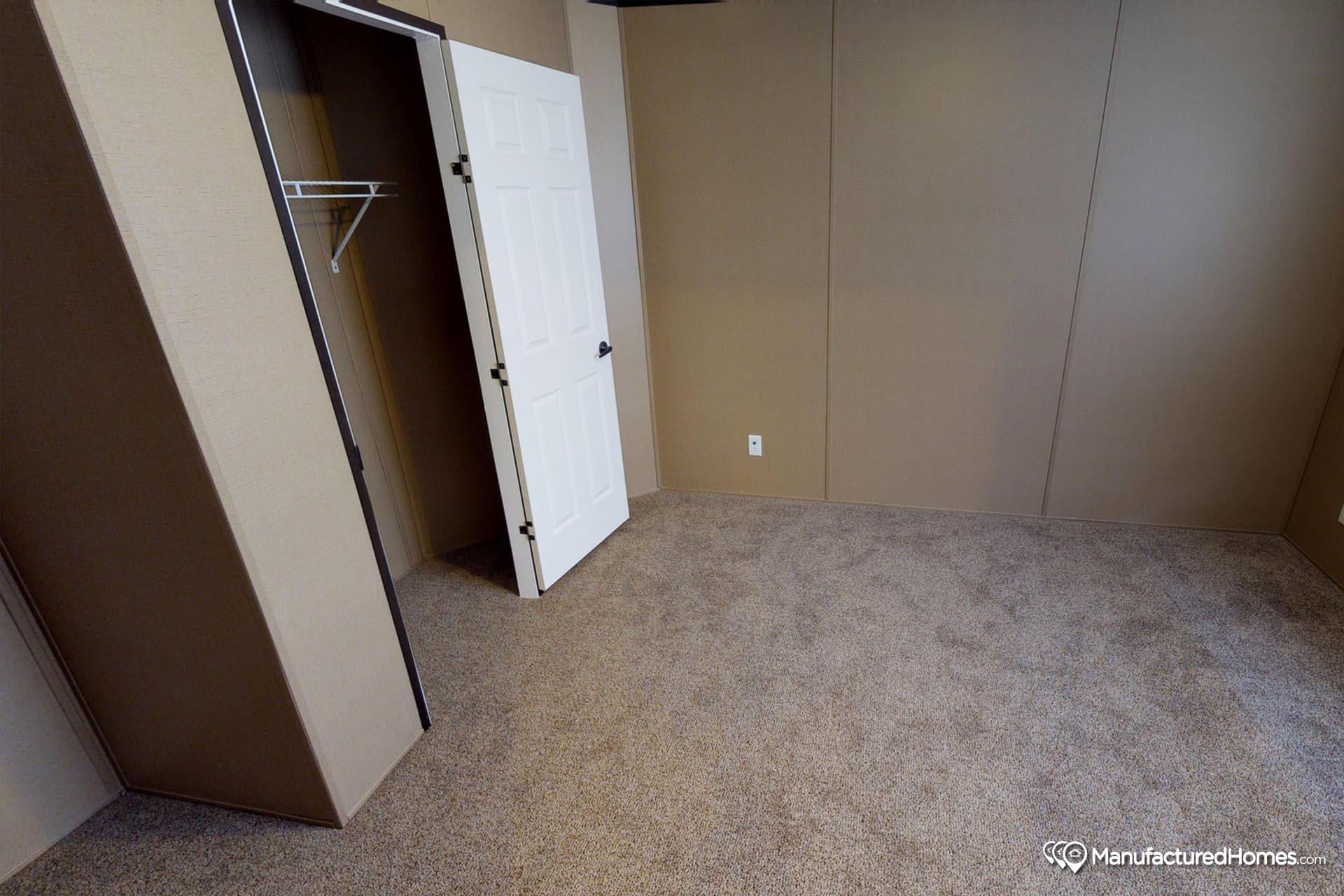 Limited / LI9906 - Bedroom
