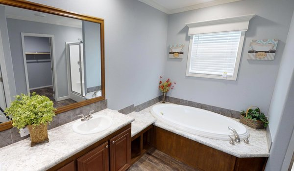 Prime Series / Vandaveer W64E - Bathroom