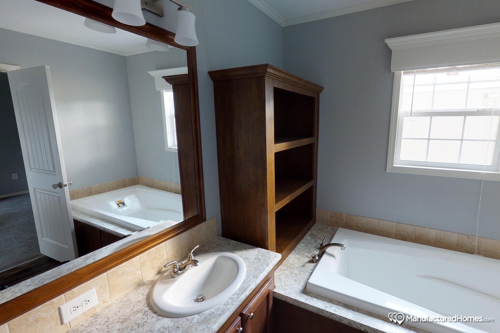 Nautica / Glenn J78G - Bathroom