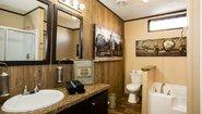 Commodore 35VAL18763AH Bathroom
