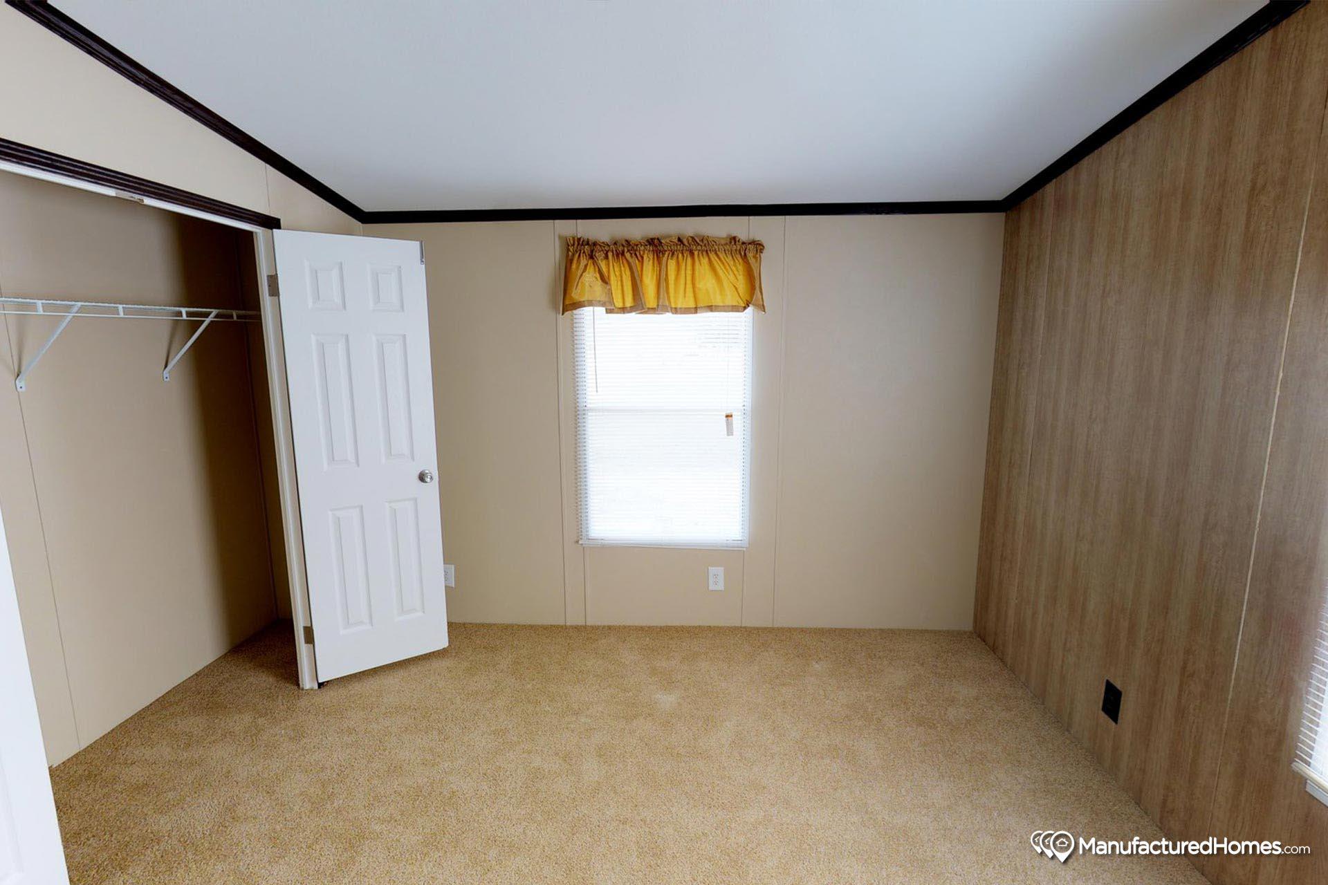 Compass / HS544 - Bedroom