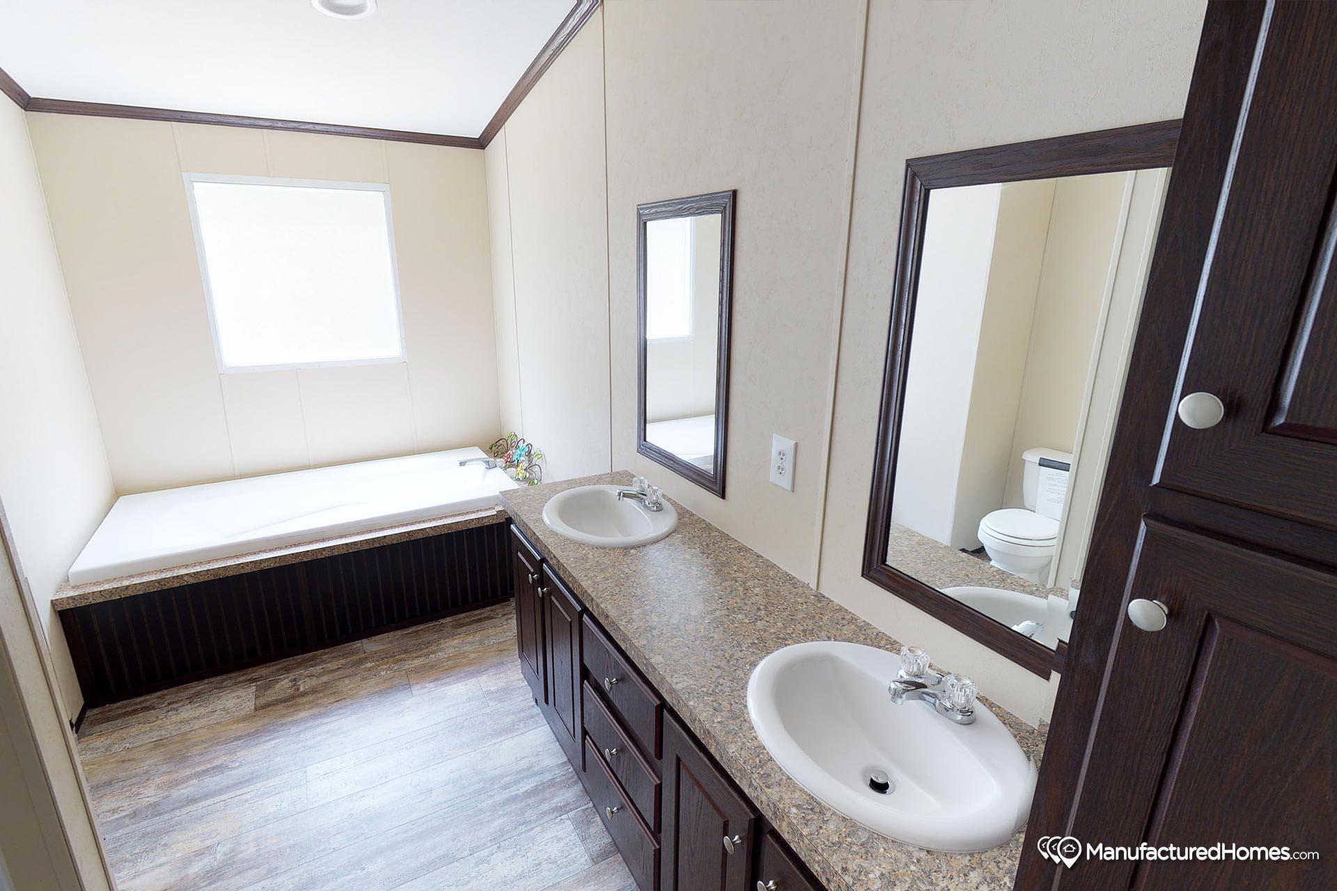 Compass / HS2303 - Bathroom