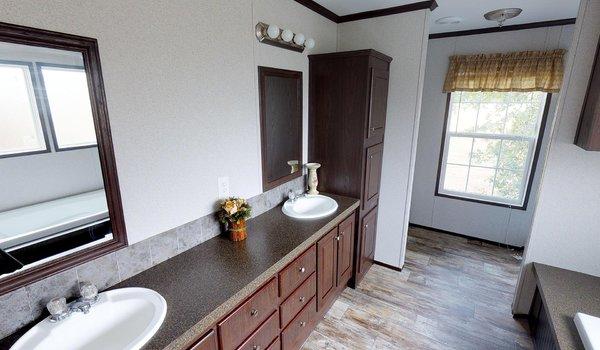 Compass / HS2810 - Bathroom