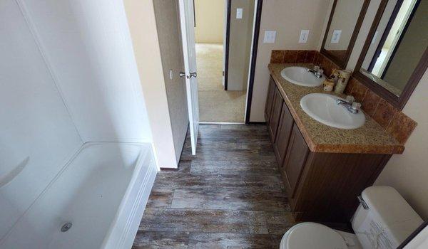 Compass / HS3340 - Bathroom