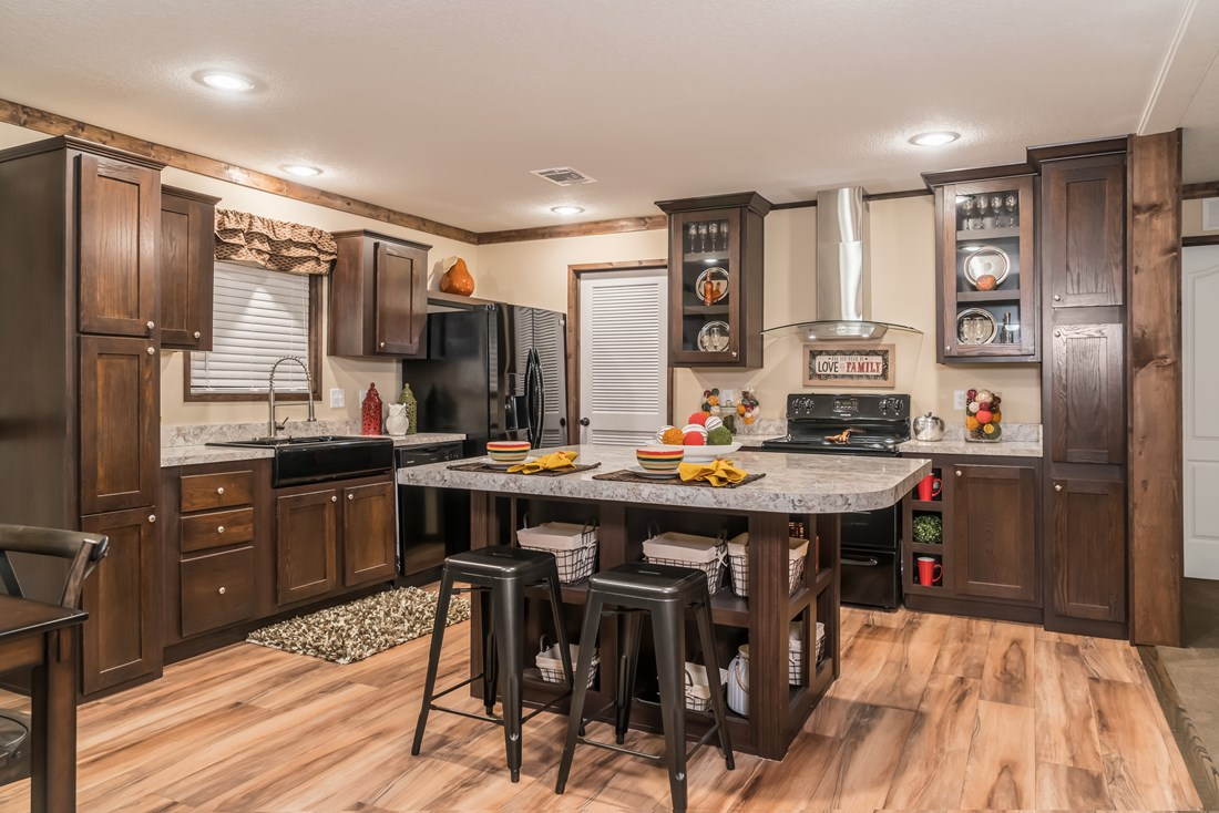 Commander / The Emperor by Clayton Homes on duck dynasty mobile home edition, duck dynasty clayton mobile home, clayton homes room design, duck dynasty mobile home floor plans,