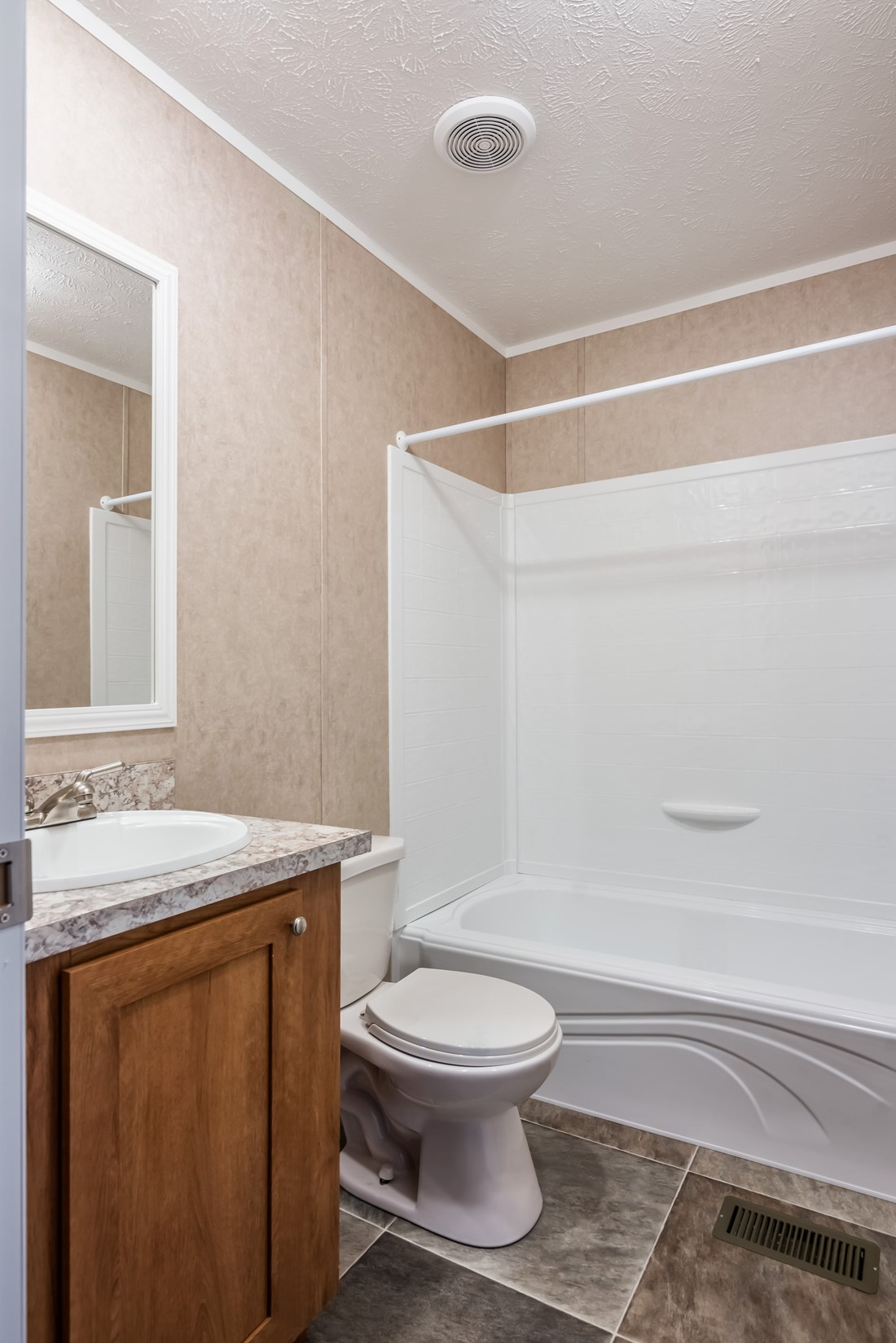 Independence the declaration by clayton homes for Bathrooms r us clayton