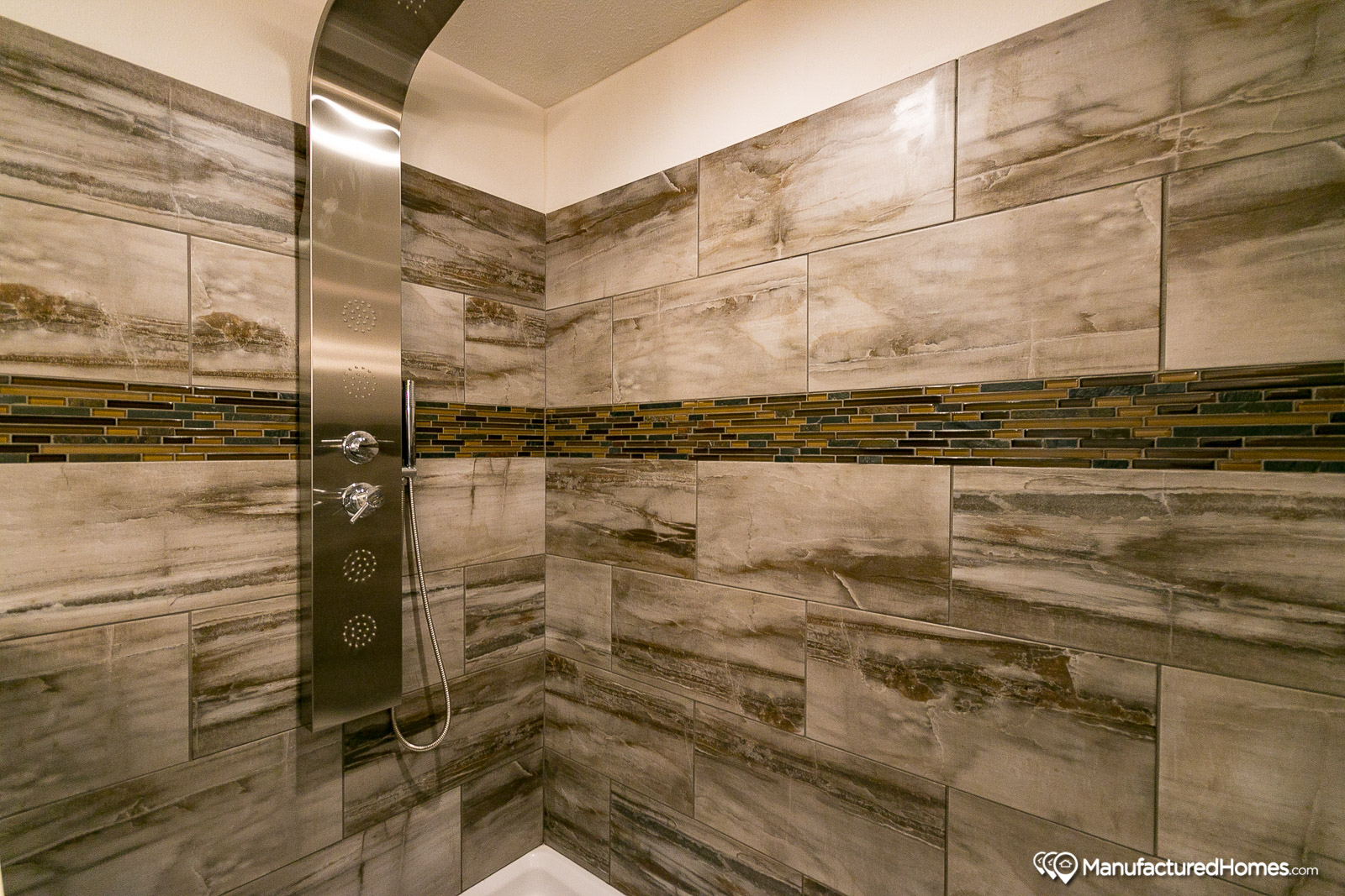 Showcase MW / The Blue Ridge - Bathroom