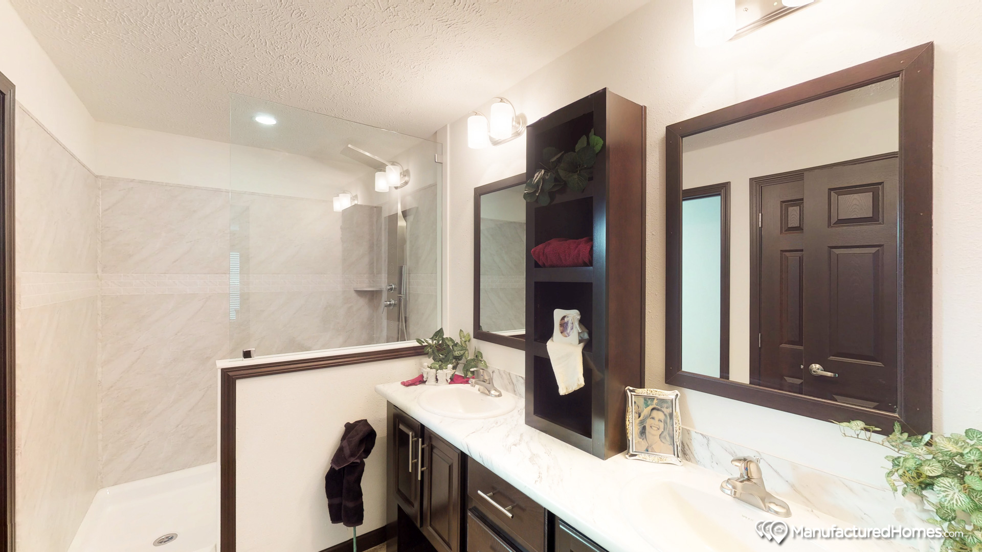 Showcase MW / The Durango - Bathroom