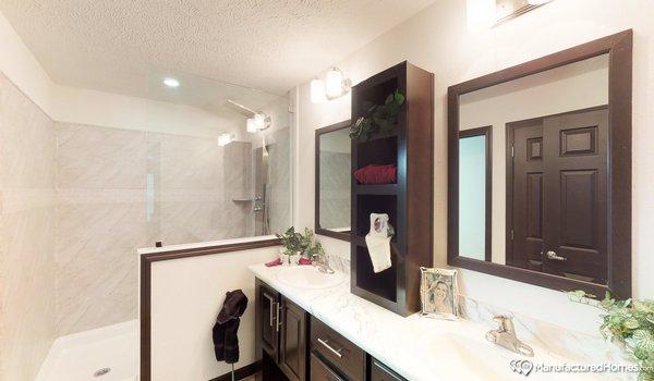 Showcase MW / The Durango - Bathroom