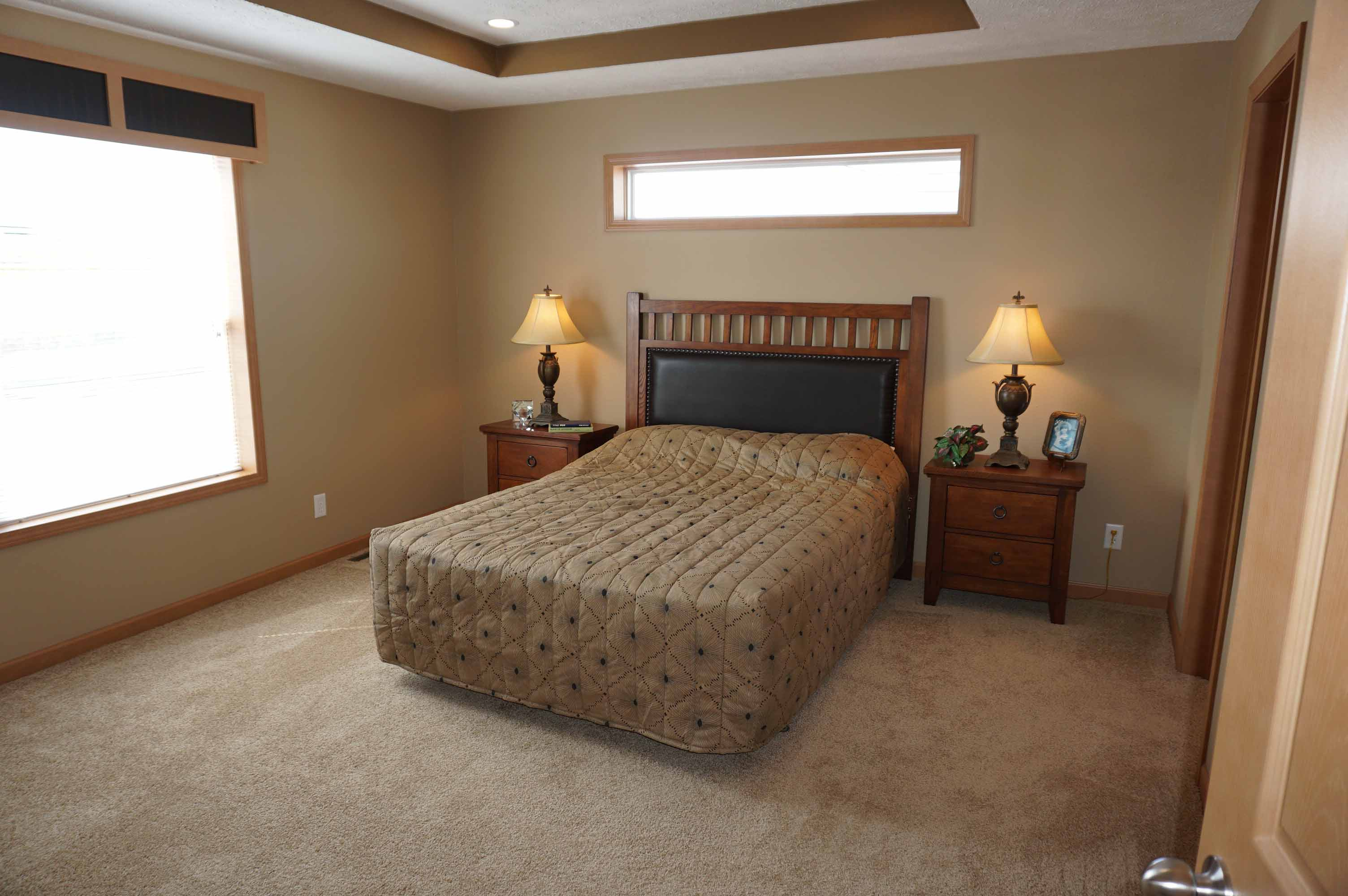 Showcase MW / The Ponderosa - Bedroom