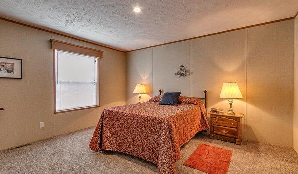 Velocity MW / The Velocity 187000 - Bedroom