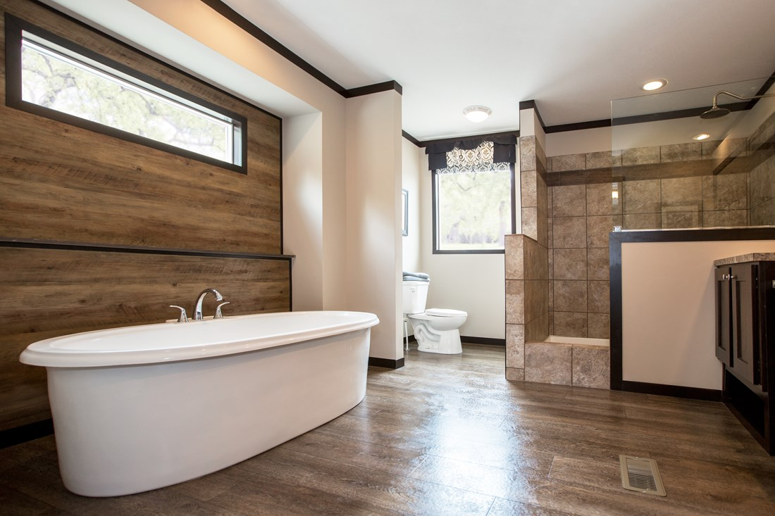 The Patriot Home / The Washington - Bathroom