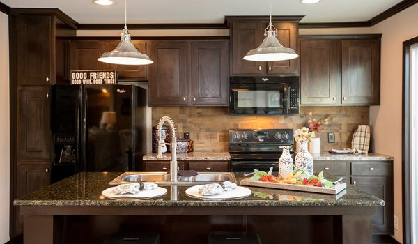 The Patriot Home / The Washington - Kitchen