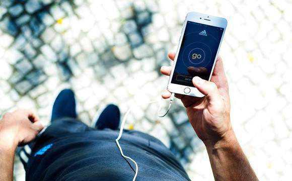Adidas se une a Spotify para lanzar App f14eb952e5d00
