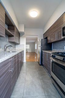 320 #7 Kitchen