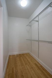 Unit 3 - Closet
