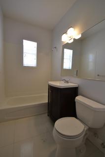 Unit 12 - Bathroom