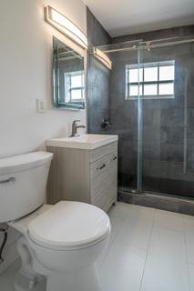 330 #8 Bathroom