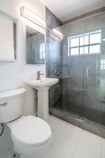 330 #9 Bathroom