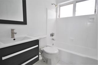 7931 406 Bathroom