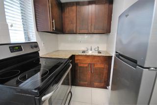 7931 306 Kitchen