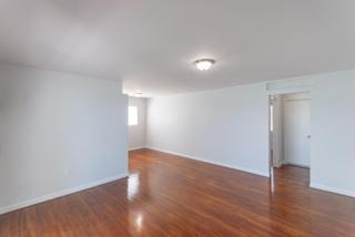7931 401 Living Room