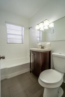 7133 Unit #8 Bathroom