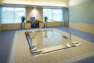 Pool - Adjustable Floor