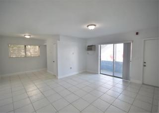 7931 306 Living Room