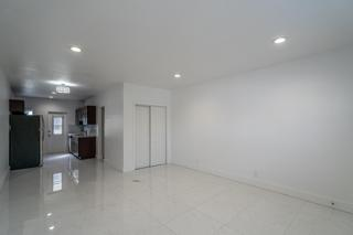 330 #8 Living Room
