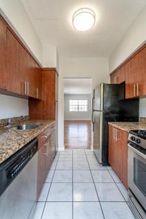 330 #10 Kitchen
