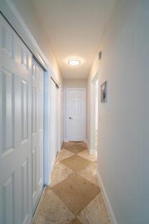 320 #4 Hallway