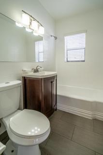7133 Unit #5 Bathroom