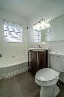 7143 Unit #5 Bathroom