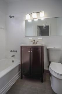 7133 Unit #6 Bathroom