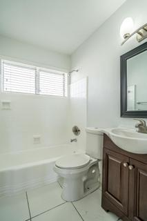 7931 405 Bathroom