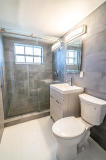 320 #2 Bathroom