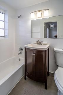 7143 Unit #3 Bathroom