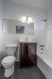 7133 Unit #7 Bathroom