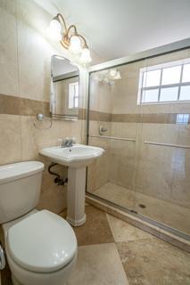 320 #4 Bathroom