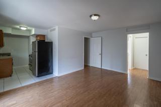 7931 204 Living Room