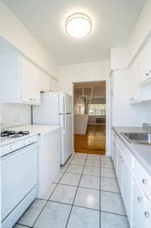 320 #8 Kitchen