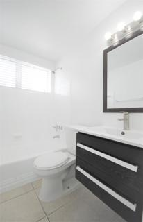 7931 303 Bathroom