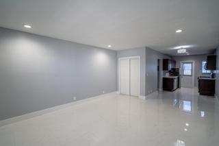 320 #2 Living Room