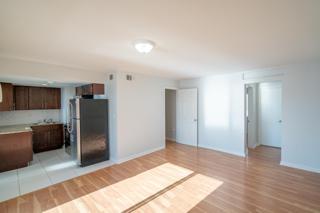 7931 403 Living Room