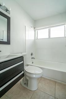 7931 402 Bathroom