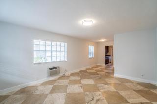 320 #4 Living Room