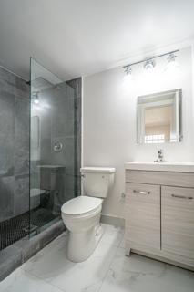 330 #6 Bathroom 1