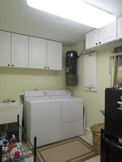 Laundry room/ washer/dryer