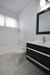 7931 206 Bathroom